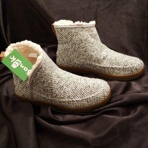 Sanuk Shoes - 🆕️ Sanuk Nice Bootah.  Women's size: 7.5